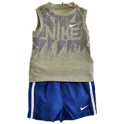 Abbigliamento Bambino Completo Nike Completo Sportivo Infant Tute multicolore