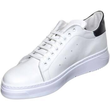 Scarpe Uomo Sneakers basse Malu Shoes Sneakers uomo bassa in vera pelle bianca con fortino nero dietr BIANCO
