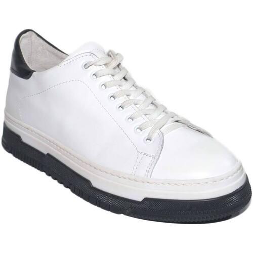 Sneakers uomo bassa bianca in vera pelle liscia con fortino ner