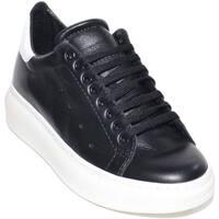 Scarpe Uomo Sneakers basse Made In Italia Sneakers uomo bassa linea basic in vera pelle nera con fortino NERO