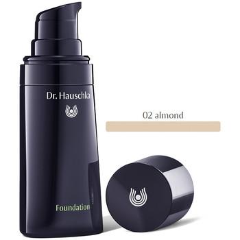 Bellezza Donna Fondotinta & primer Dr. Hauschka Foundation 02-almond   30 ml