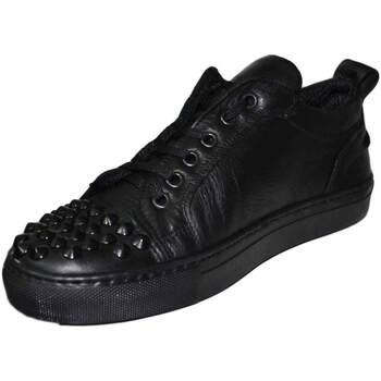 Scarpe Uomo Sneakers basse Malu Shoes Scarpe uomo basse vera pelle liscia vitello nero con borchie su NERO