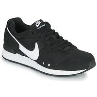 Scarpe Donna Sneakers basse Nike VENTURE RUNNER Nero / Bianco