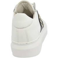 Scarpe Uomo Sneakers basse Malu Shoes Sneakers uomo bassa in vera pelle vitello bianco e striscia ner BIANCO