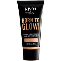 Bellezza Fondotinta & primer Nyx Born To Glow Naturally Radiant Foundation light