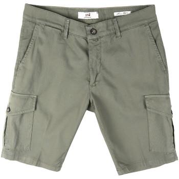 Abbigliamento Uomo Shorts / Bermuda Sei3sei PZV130 8157 Verde