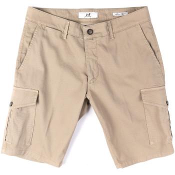 Abbigliamento Uomo Shorts / Bermuda Sei3sei PZV130 8157 Beige
