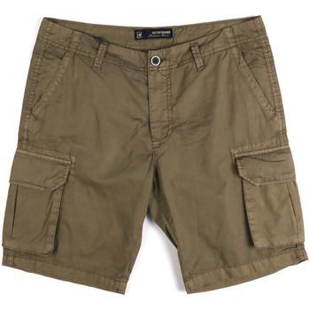 Abbigliamento Uomo Shorts / Bermuda Key Up 2P16A 0001 Verde