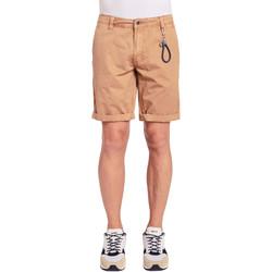 Abbigliamento Uomo Shorts / Bermuda Gaudi 011BU25023WC Marrone