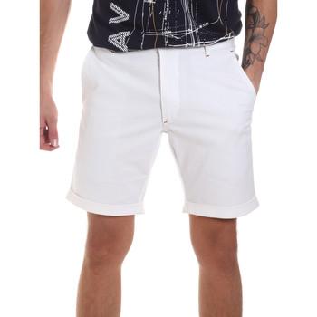 Abbigliamento Uomo Shorts / Bermuda Gaudi 811FU25023 Bianco
