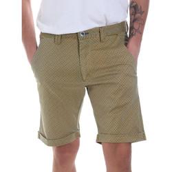 Abbigliamento Uomo Shorts / Bermuda Gaudi 811FU25018 Verde