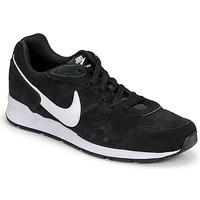 Scarpe Uomo Sneakers basse Nike VENTURE RUNNER SUEDE Nero / Bianco