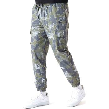Abbigliamento Uomo Pantaloni New-Era 12590879 Verde