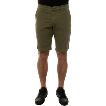 Abbigliamento Uomo Shorts / Bermuda Fay NTM8342188T-RSEV616 Verde
