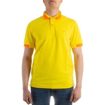Abbigliamento Uomo T-shirt & Polo Sun68 A31119 giallo