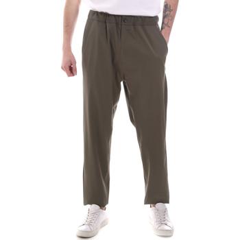 Abbigliamento Uomo Pantaloni morbidi / Pantaloni alla zuava Gaudi 111GU25069 Verde
