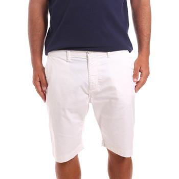 Abbigliamento Uomo Shorts / Bermuda Sseinse PB739SS Bianco