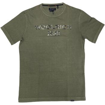 Abbigliamento Uomo T-shirt maniche corte Woolrich ATRMPN-29090 Verde