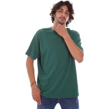 Abbigliamento Uomo T-shirt maniche corte Invicta 4451244/U Verde