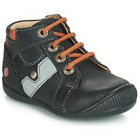 Scarpe Bambino Sneakers alte GBB REGIS Nero / Arancio