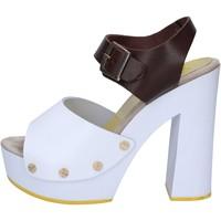Scarpe Donna Sandali Suky Brand sandali marrone pelle bianco AC486 marrone