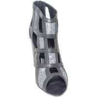 Scarpe Donna Sandali Malu Shoes Tronchetto donna a scacchi forma quadrata forato in pelle nero NERO