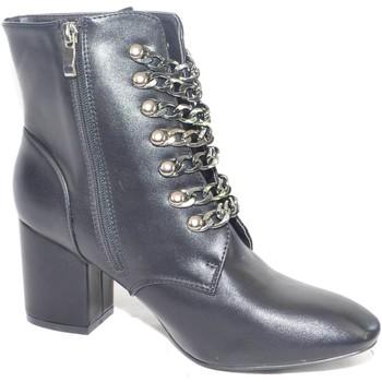 Scarpe Donna Stivaletti Malu Shoes Tronchetto donna in pelle nero con catene tacco comodo NERO
