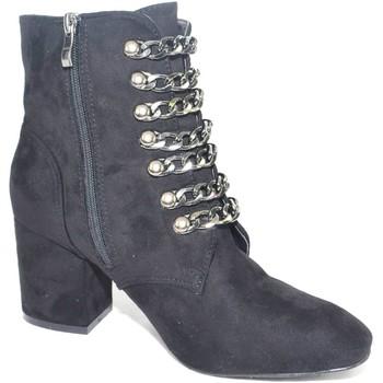 Scarpe Donna Stivaletti Malu Shoes Tronchetto donna in camoscio nero con catene tacco comodo NERO