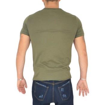 Abbigliamento Uomo T-shirt maniche corte Malu Shoes T- shirt basic uomo in cotone elastico verde militare slim fit VERDE